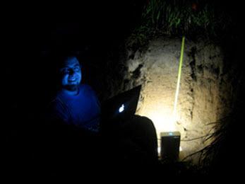 Laser reveals water's secret life in soil