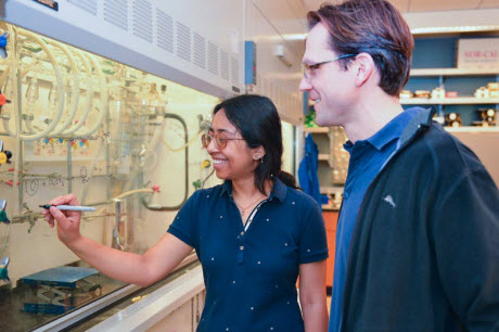 Stanford scientists make renewable plastic from carbon dioxide and plants
