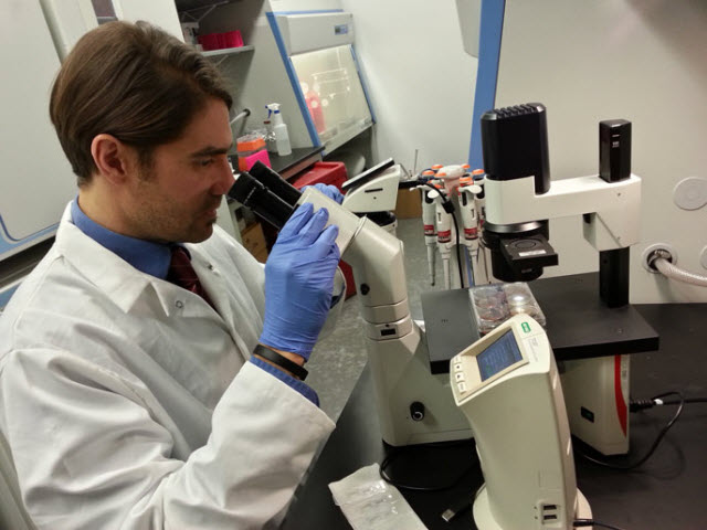 UC Merced researcher Fabian V. Filipp in the lab