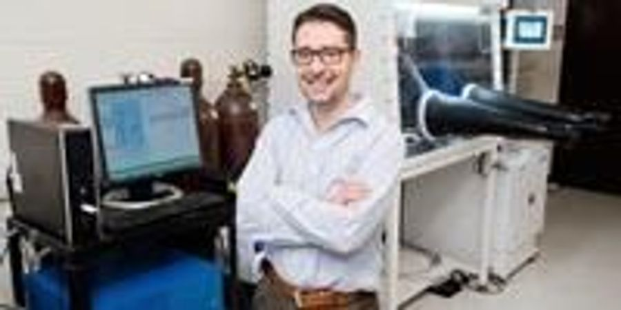 Engineer Continues to Make Waves in Water Desalination