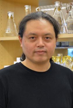 Nobuyoshi Suto
