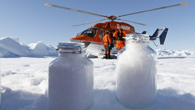 In the Alps and the Arctic, experts confirm the presence of plastic in snow