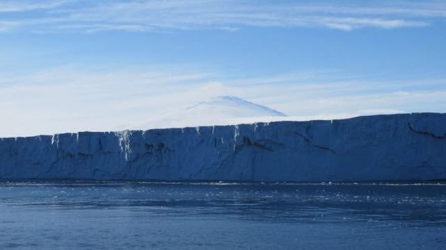 The Nansen Ice Shelf with Mount Melbourne in the background