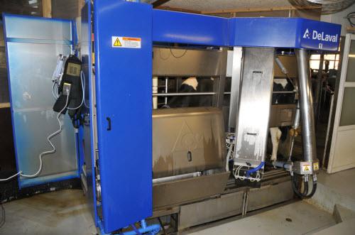 Gas sampling during milking.