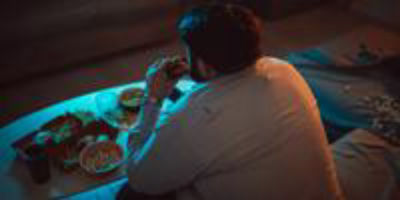 Study Finds Dopamine, Biological Clock Link to Snacking, Overeating, and Obesity