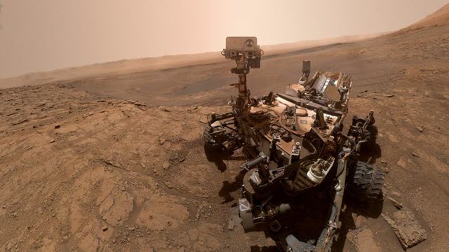 Curiosity on Ancient Lake Sediments at Gale Crater, Mars