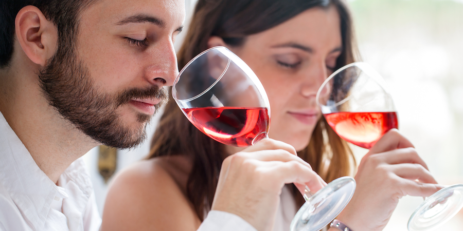 Study Identifies 17 Key Compounds in Wine Aromas