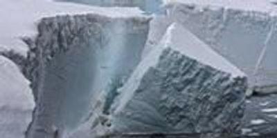 Ocean Waves Following Sea Ice Loss Trigger Antarctic Ice Shelf Collapse