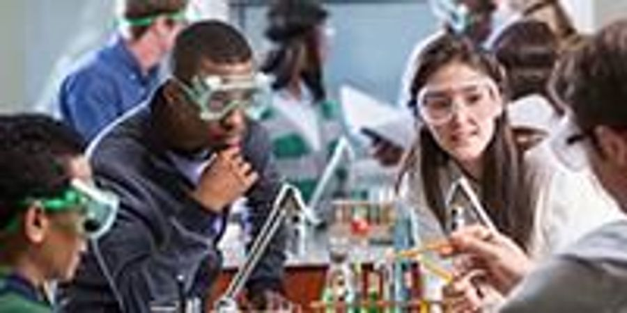 Want More Women & Minorities in STEM? Address Social Oppression in the Classroom, Says New Research