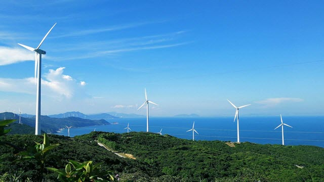 Wind turbines in Ningbo, China