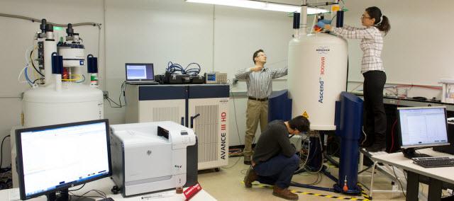 Argonne scientist Baris Key and team