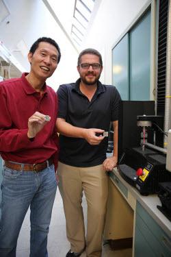 LLNL scientist Morris Wang and postdoc researcher Thomas Voisin