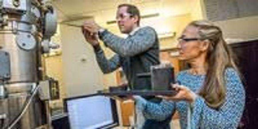 Berkeley Lab Scientists Map Key DNA Protein Complex at Near-Atomic Resolution