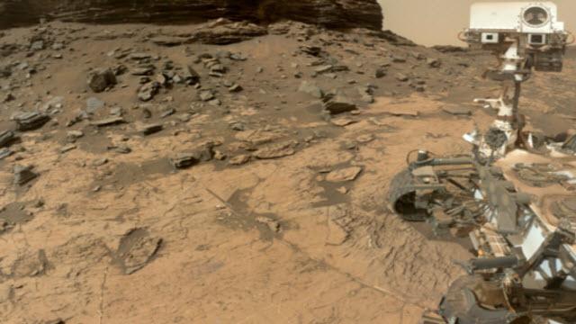A selfie of the NASA Curiosity rover