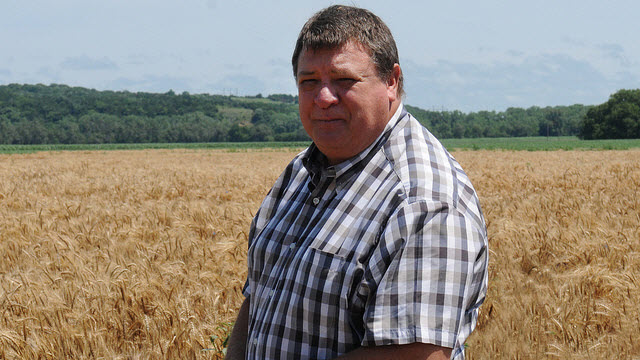 Kansas State University wheat breeder Allan Fritz