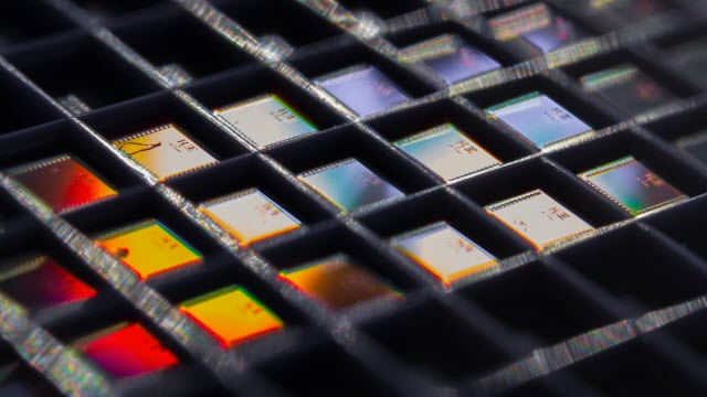 array of the temperature sensor chips
