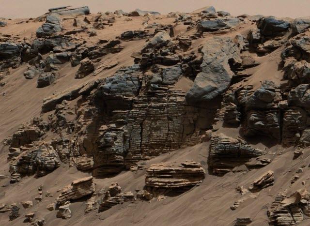 Sedimentary rocks from three locations on lower Mount Sharp on Mars