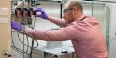 Scientists Make Vanadium into a Useful Catalyst for Hydrogenation