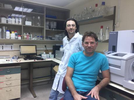 Technion assistant professor Oded Lewinson and graduate student Daniel Zhitnitsky