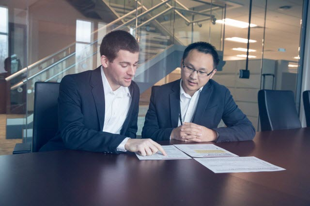 Brett Lissenden, a fifth-year student in UVA's economics Ph.D. program, and Aaron Yao, an assistant professor in the Department of Public Health Sciences