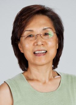 Associate professor Hyeryun Choe