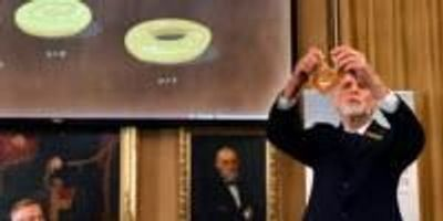 Science of 'Exotic' States of Matter Lands Nobel Physics Prize