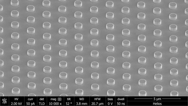 SEM Image of Nanoscale Thermal Emitters