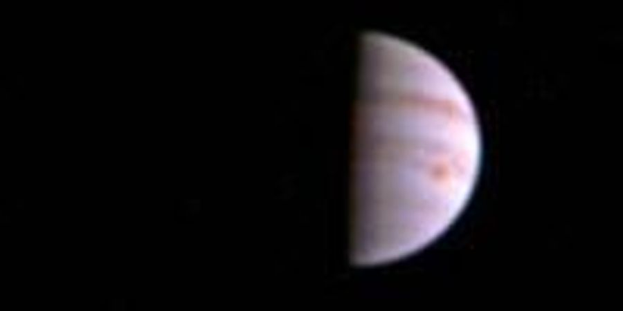 NASA's Juno Spacecraft Sends First In-orbit View